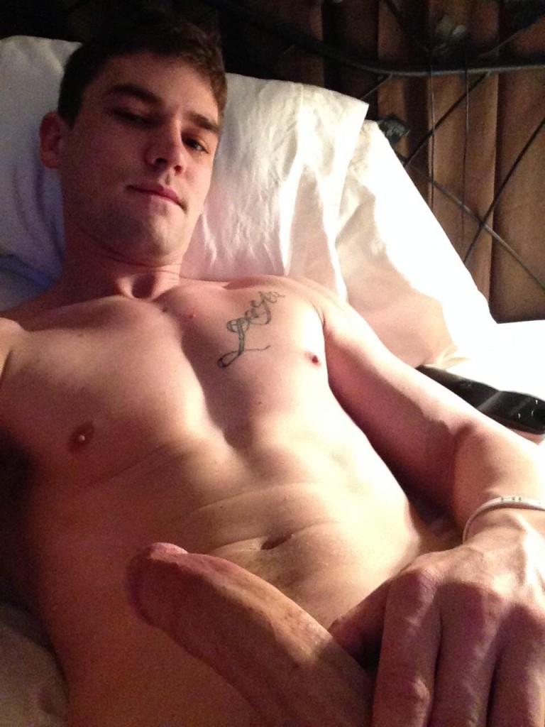 nude-gay-hunk2