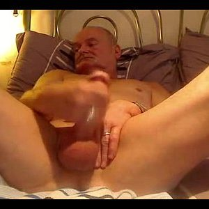 Mature Guy Blows His Load On Gay Webcam
