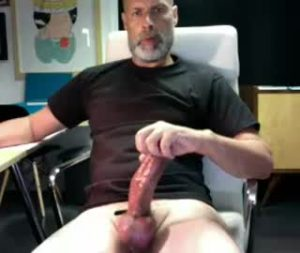 Hot Mature Gay Guy Lucca Bares His Huge Cock On Cam