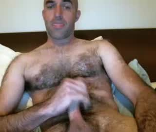 Hairy Australian Gay Guy Tom Wanks Off His Hung Penis On Webcam