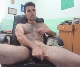 Hairy European Cam Gay Dude Jerks Off Hard