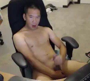 Horny Asian Gay Guy Masturbates On Live Webcam Show