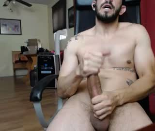 Hot Straight Guy Beats Off His Huge Cock On Gay Cam Show