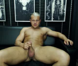 Muscle Euro Gay Dude Jaden Masturbates On Cam