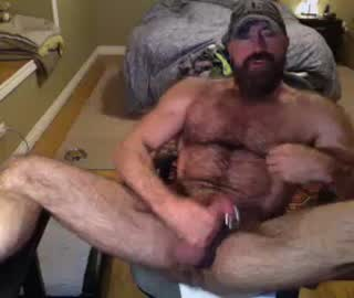 Super Sexy Gay Bear Cal Wanks Off On Free Cam Show
