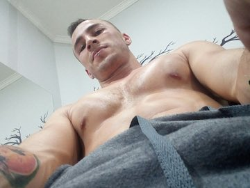 Straight Colombian Stud Damiann Fox On Cam