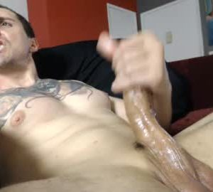 Masculine Cam Guy Leo_christensen Rubs His Big Penis