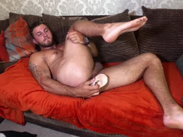 British Stud Musclejackxxxl Toys His Ass On Live Webcam