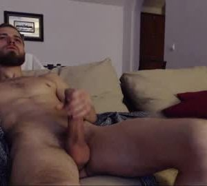 Bearded Hunk Tralalabala Does A Cum Session
