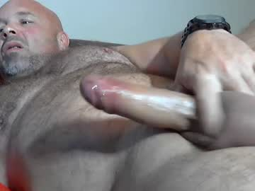 Euro Bear Robertoduroo Jerks Off On Cam