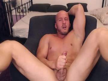 Adonis Hunk On Cam